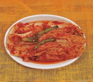 Un piatto di kimchi. L'immagine è di http://www.flickr.com/photos/koreanet/